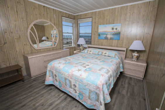 Cozy bedroom with fabulous Gulf view!