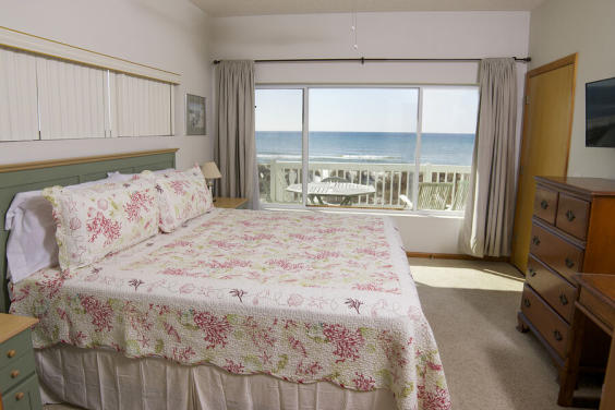 One of TWO Gulf front Master bedrooms!