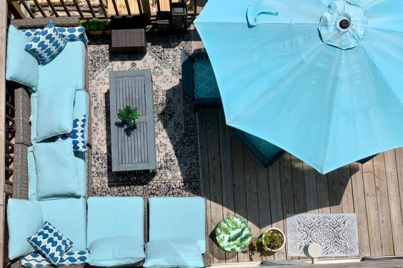 Had enough of sitting in the sand? Come and relax on the comfortable deck!