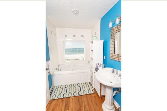 Beautiful Gulf view Master Bathroom with Whirlpool tub!