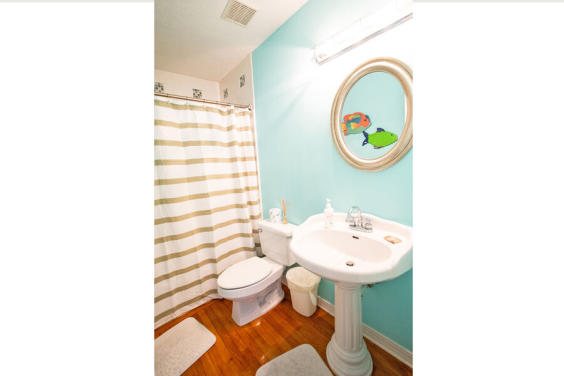 Third bathroom is bright and colorful!