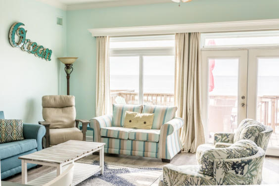 Cozy and bright, this townhome is your perfect beach getaway!