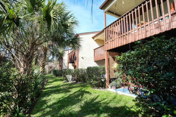 The precious Beachwalk 9C townhome is waiting for you!
