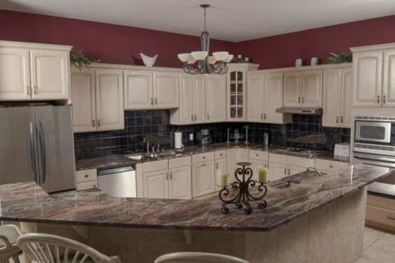 Large, fully equipped kitchen has everything you need!