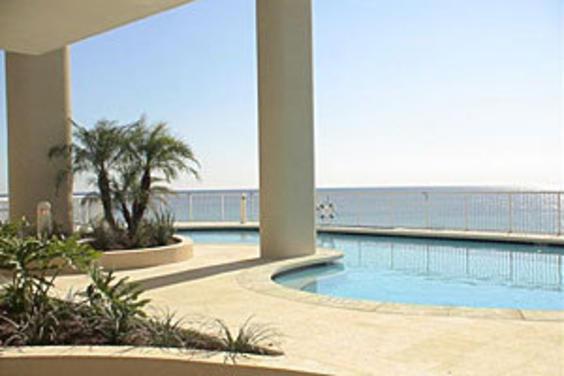 palazzo-pool.jpg