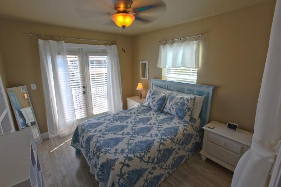 Double Bed and Balcony Access