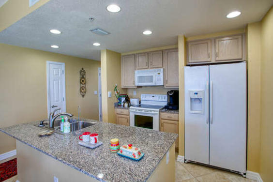 Fully Equipped Kitchen with Amazing Views!