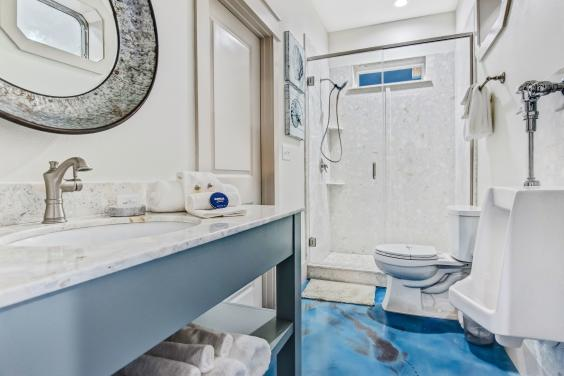 Ground Floor Shared Bathroom