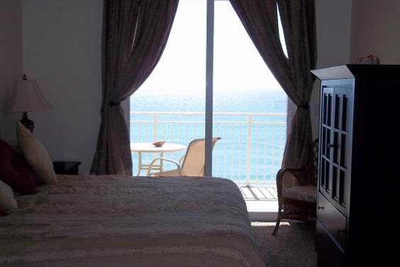 Bedroom overlooking the Gulf at Paradise Zone
