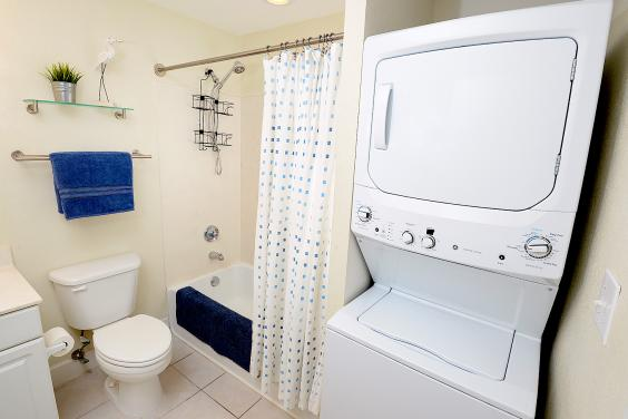 Washer/Dryer in Guest Bath