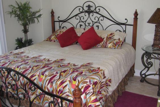 Tina's Treasure Island 3 BR Luxury Beach Condo - Guest BR - King Size Bed