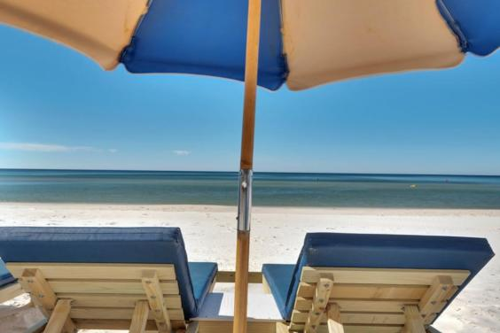 FREE Beach Service!