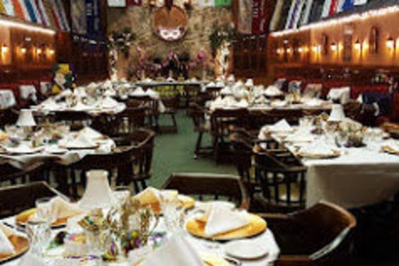 Affordable-Elegant-Parties-PCB-The-Boars-Head-Restaurant-Tavern
