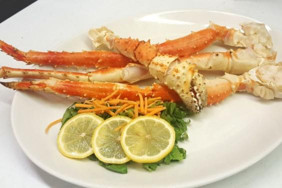 Alaskan-King-Crab-Legs-Boars-Head-Restaurant-PCB
