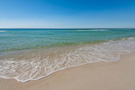 Beach in front of Ocean Villa