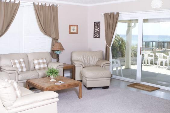 PF Fun Home Living Room