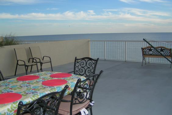 Palazzo 3 BR 2 BA GIANT Balcony-Free Beach Service