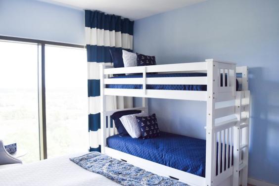 Twin bunkbeds