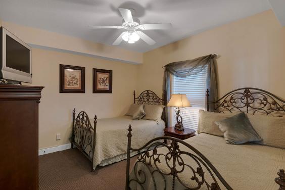 Guest Bedroom Unit 1304
