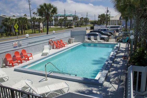 Bonita Beach 15 pool
