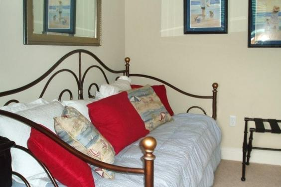 Bonus Room Daybed with Trundle