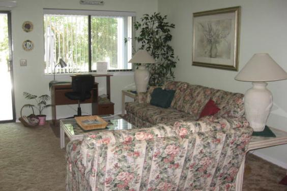 A Quiet Townhome in West End of Panama City Beach