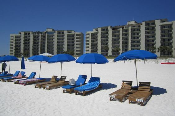 FREE BEACHCHAIR/UMBRELLA SETUPS INCLUDED WITH OUR CONDO