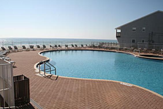 tidewater-west-outdoor-pool.jpg