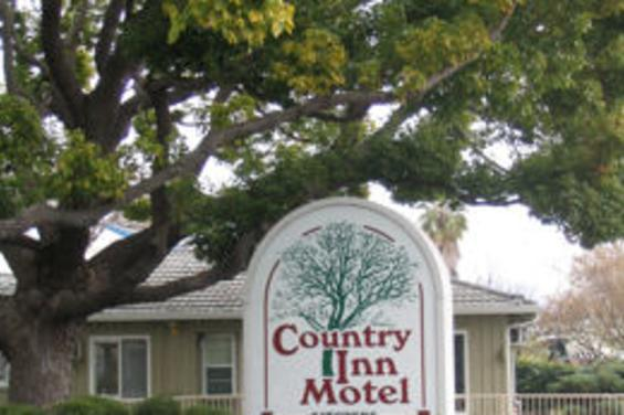 Country_Inn_Motel.jpg