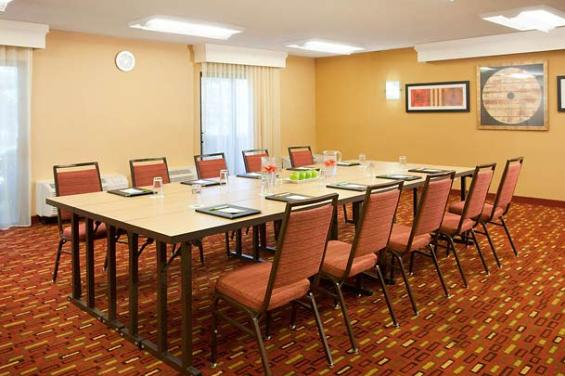 Courtyard by Marriott San Francisco Airport (3)