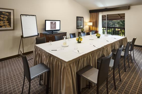 Fairway Suite.Conference Style