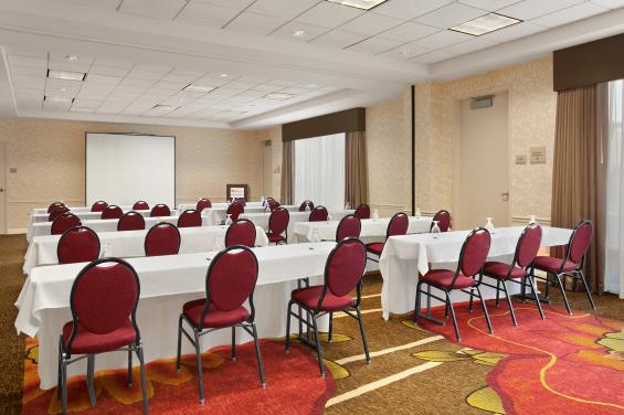 Hilton Garden Inn SSF - Meeting Space (2)