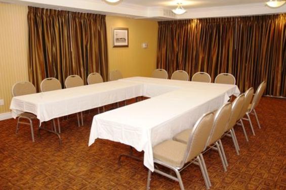 Holiday Inn & Suites San Mateo San Francisco SFO (7) - Christina Room