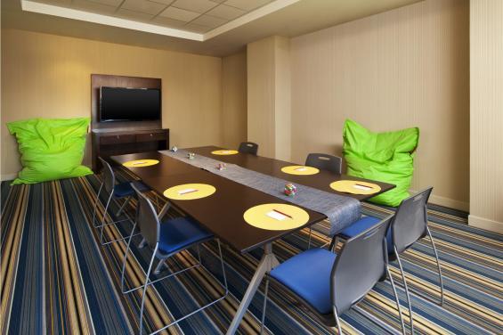 Meeting room at Aloft SFO