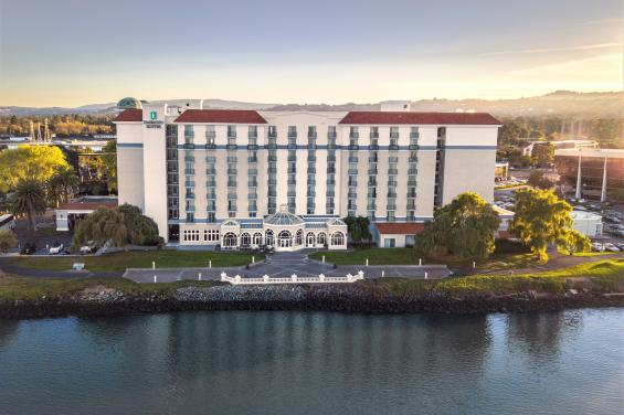 Embassy-Suites-SFO-Waterfront-Outside