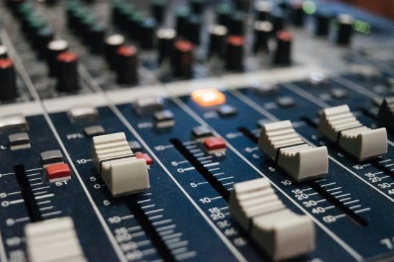 DJ Mixer Machine