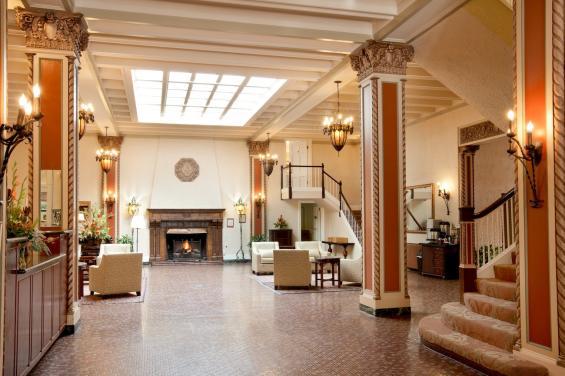 Cardinal Hotel 3