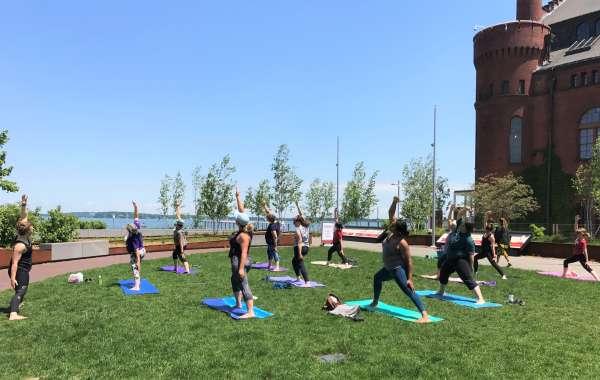 Alumni Park Yoga