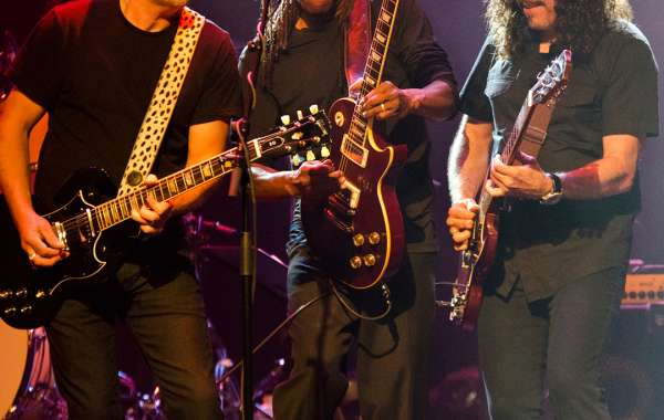 Classic Albums Live performs AC/DC's Back in Black