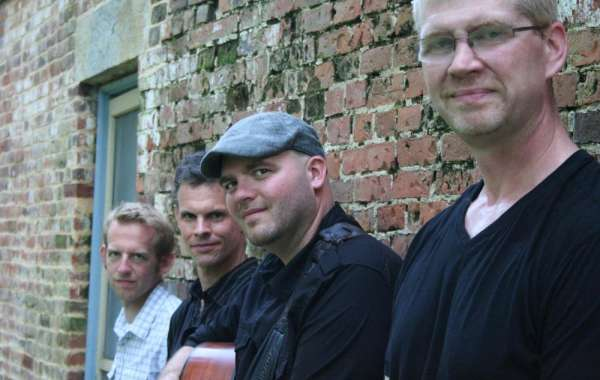 Live Music in the Backyard: Mark Croft Band