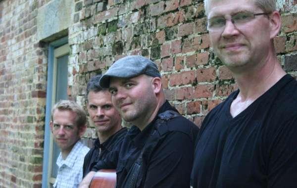 Live Music in the Backyard | Mark Croft Band