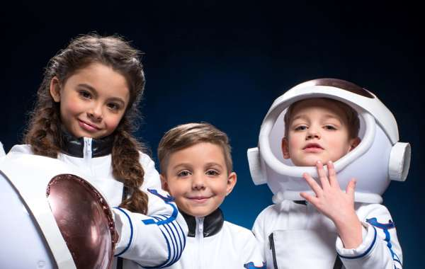 Saturday Science at Discovery: Over the Moon