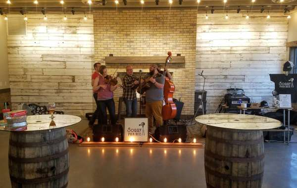 Soggy Prairie: Live Music at The Lone Girl