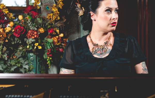 The Finest Hour featuring  Davina & The Vagabonds and Hot Club of Cowtown