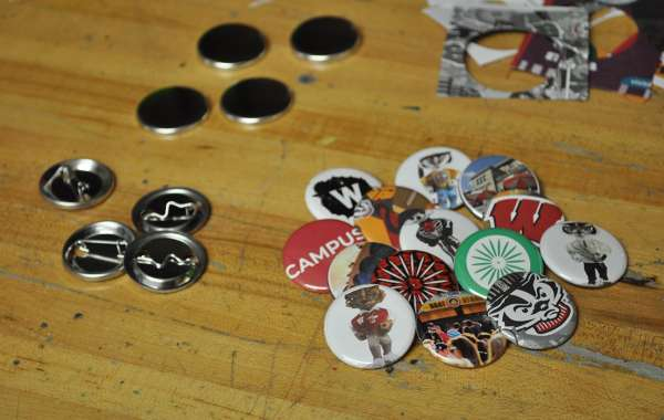 Free Art Friday: Button-making, Hot Cocoa, and Cookies