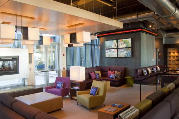 Aloft Dulles Airport North Re:Mix Lounge