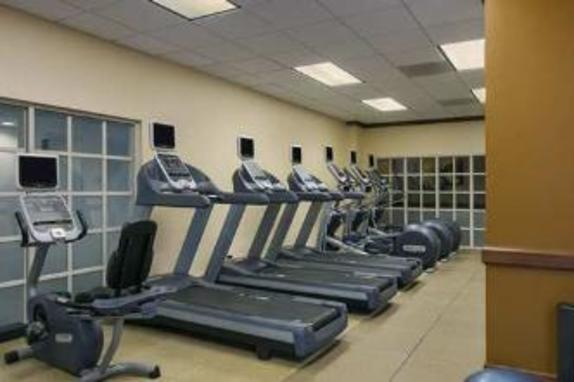 10792_4614_embassy suites fitness.jpg