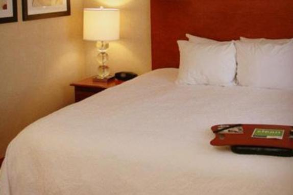 11566_4924_Hampton Guest Room.jpg