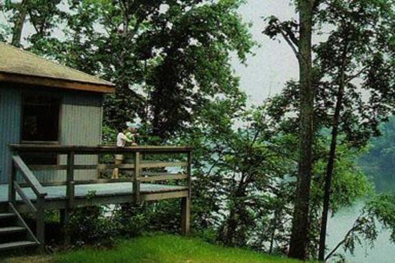 11936_4940_Algonkian Cottage on River.jpg