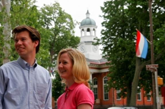 146745_1084_JG Leesburg couple courthouse.jpg